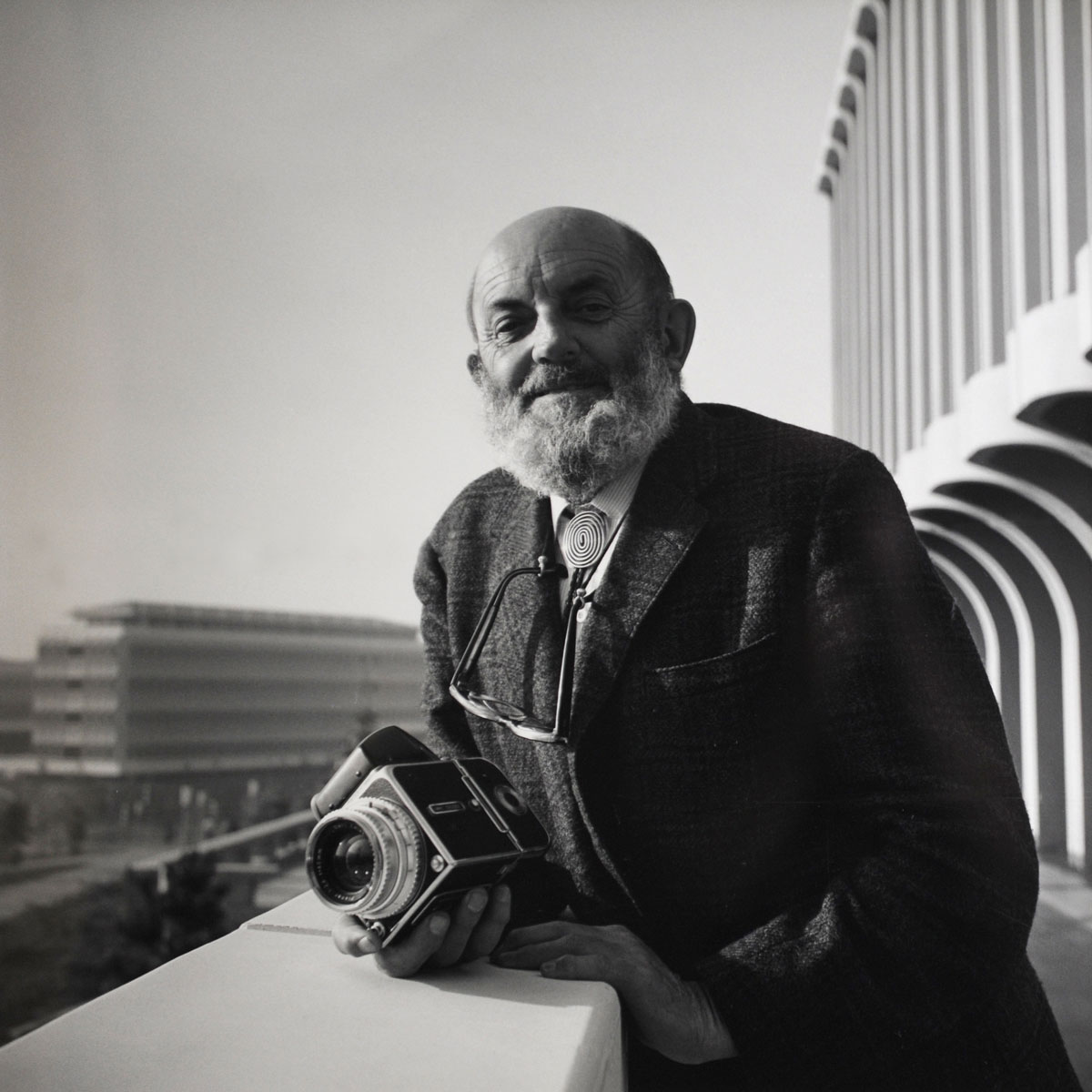 a biography of ansel adams Ansel easton adams (february 20, 1902 – april 22, 1984) was an american photographer and environmentalist his black-and-white landscape photographs of the american.